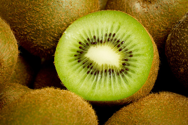 buy kiwi fruit actinidia jenny kiwi fruit 39 jenny. Black Bedroom Furniture Sets. Home Design Ideas