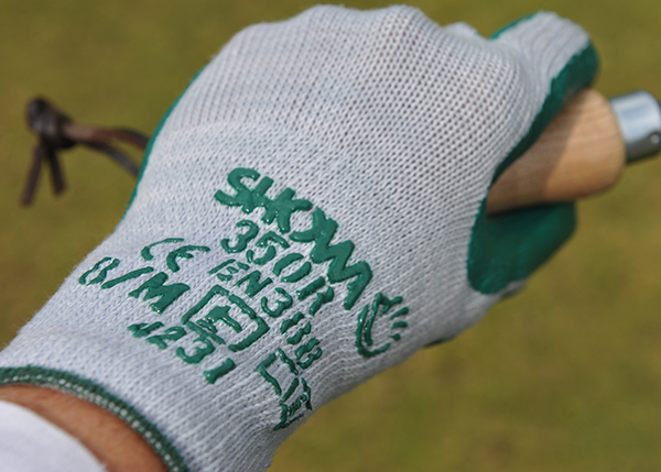 Thornmaster gardening gloves