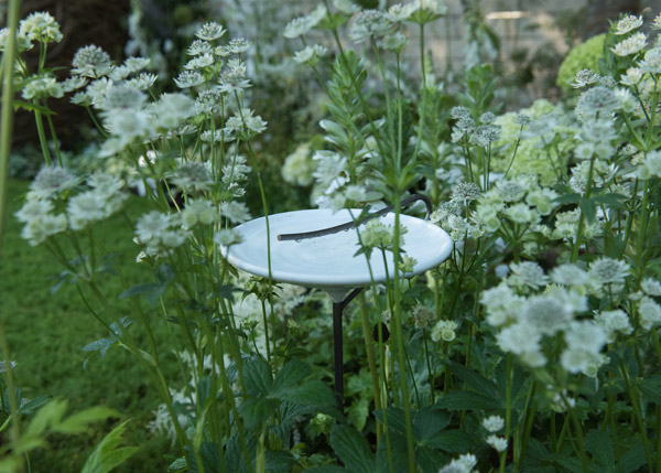 Stake bird bath - white