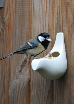 Porcelain wall bird feeder