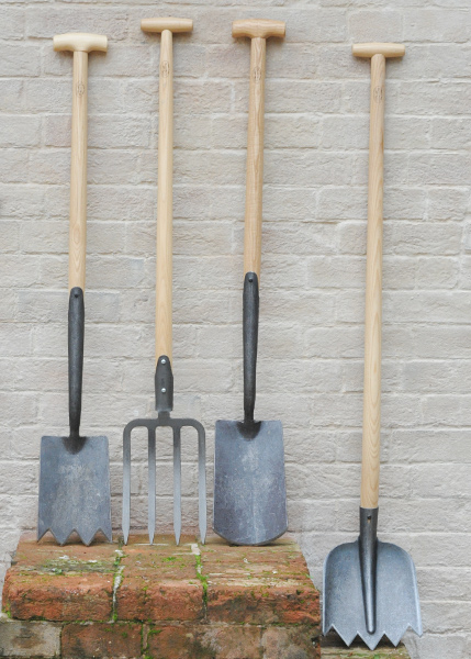 Buy de wit lightweight soil shovel delivery by crocus for Lightweight garden tools