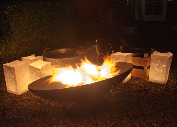 Cast-iron oval brazier