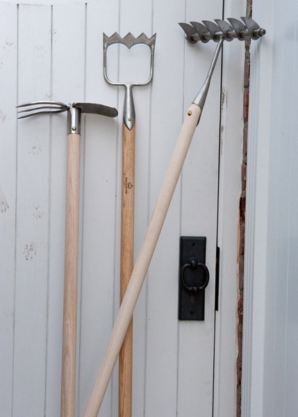 Sneeboer long handled mattock