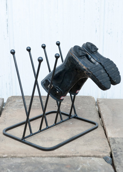 Four pair diagonal boot rack