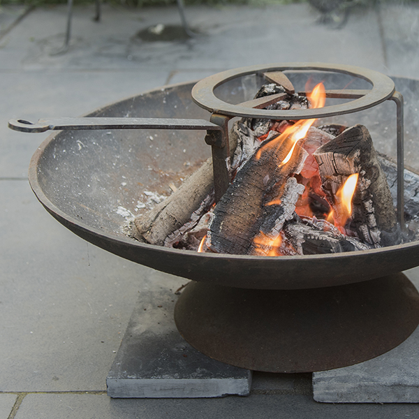 Fire pit tripod cooking stand