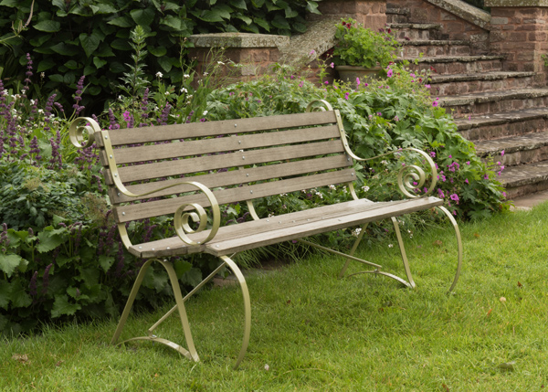 Montpellier bench - leaf green