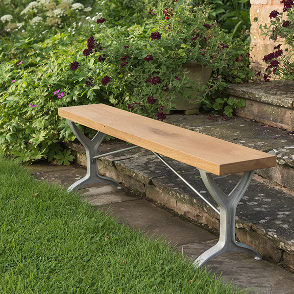 Oak beam bench - natural aluminium
