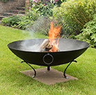 Disc fire pit with tripod base and handles