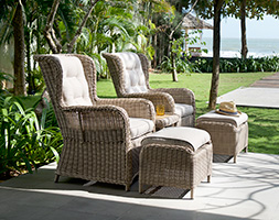 Martinique companion set
